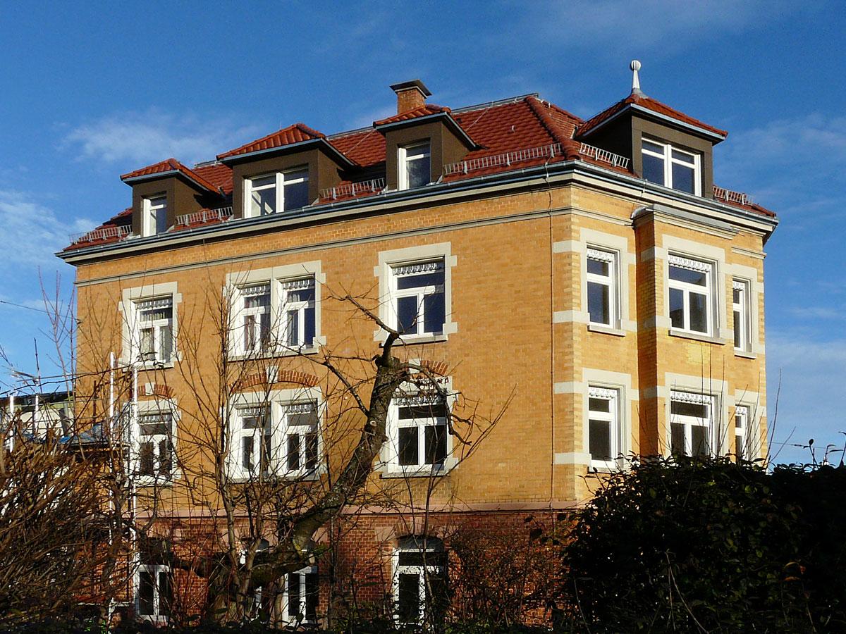 Mehrfamilienhaus-F7-1