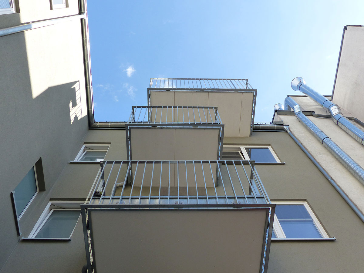 Wohnhaus-Geschaeftshaus-Weller-4